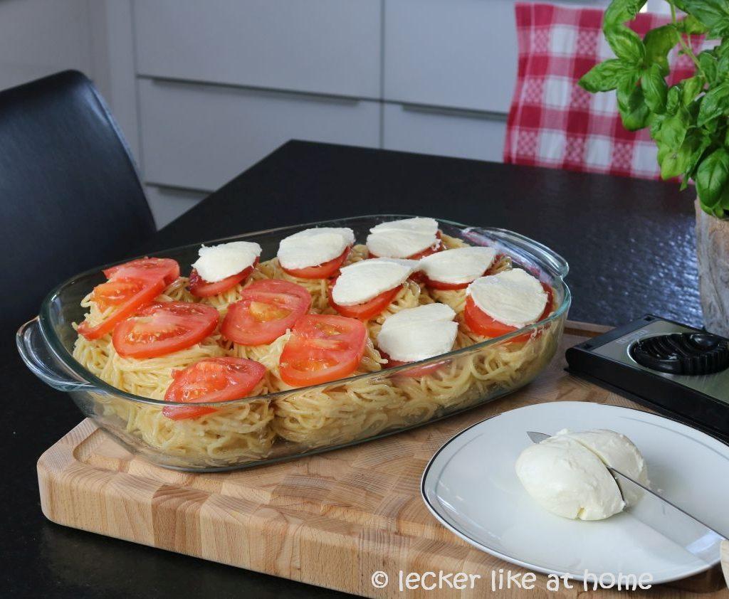 Nudelnester - mit Mozzarella belegen