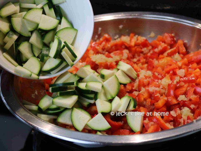 Zucchinis zufügen