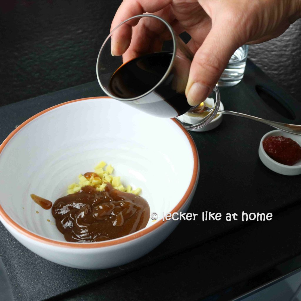 Ingwernuggets-7-Dipp-vermengen
