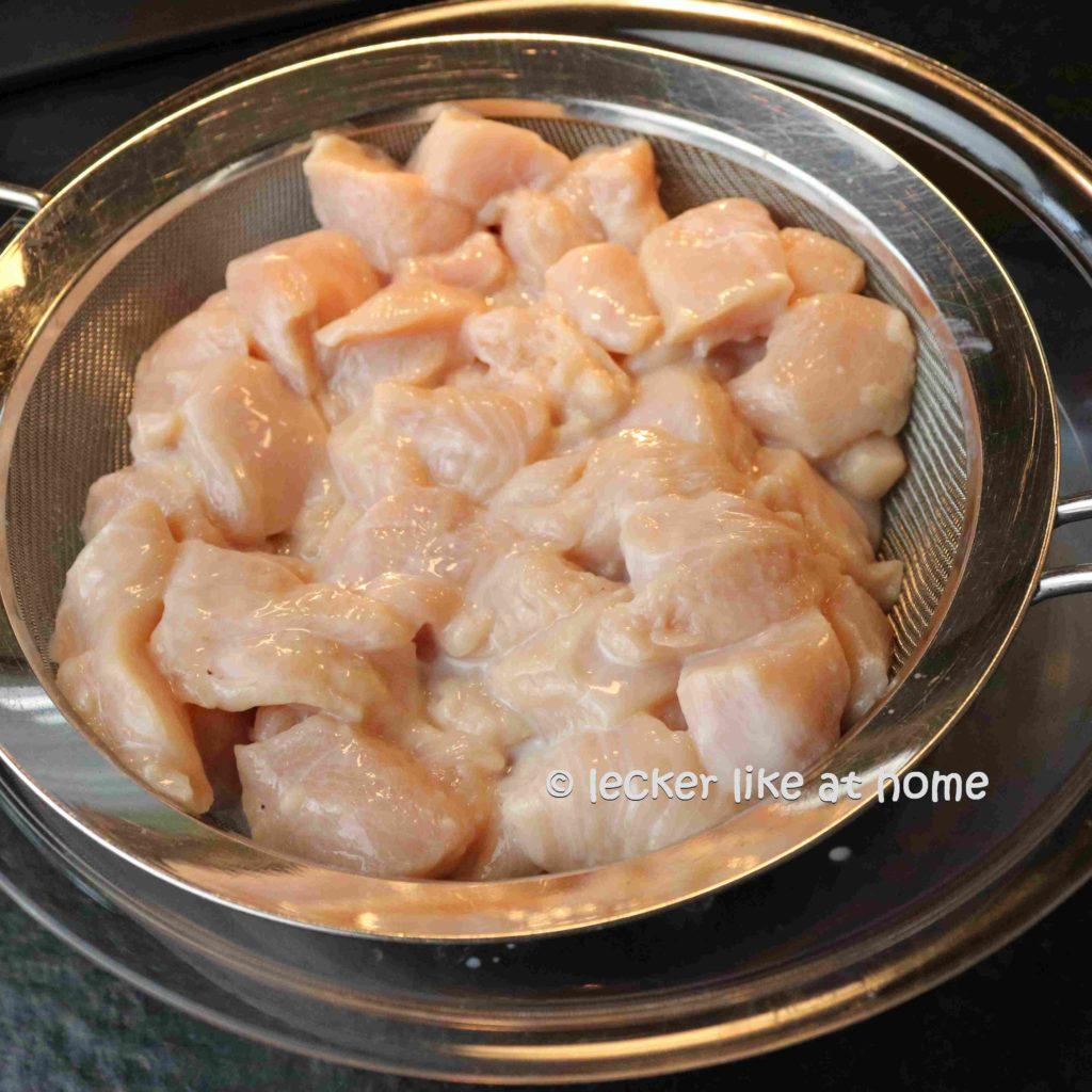 Ingwernuggets-9-Fleisch-abtropfen-lassen